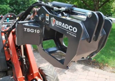 Tree Grapple for Walk-Behind Skidsteer